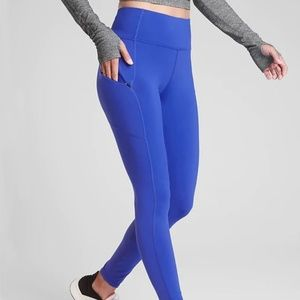 NWOT Athleta Dark Blue Contender 7/8 Leggings